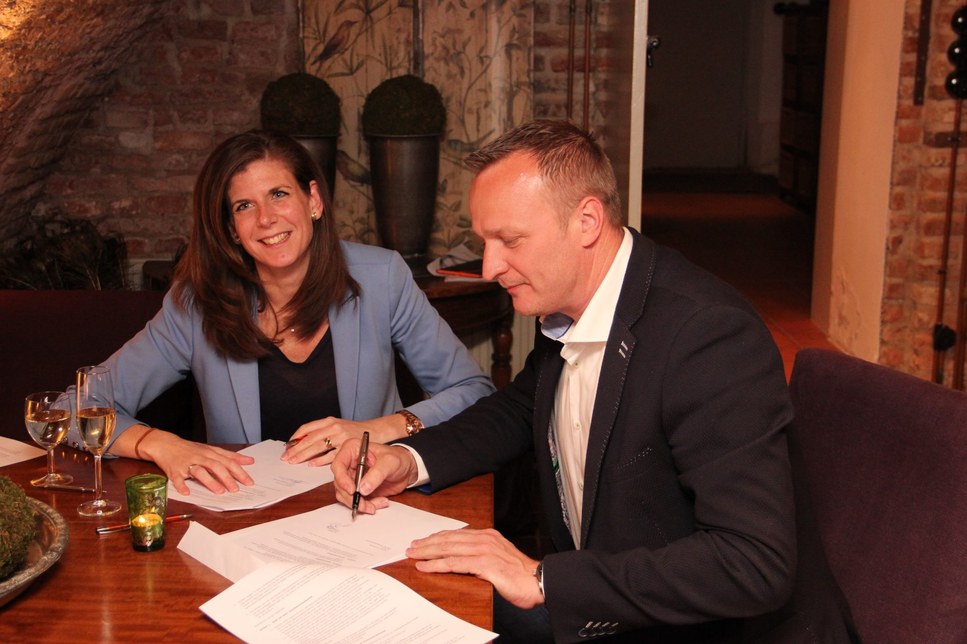 Ondertekening Sequent NXT